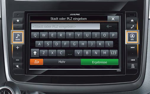 The 20cm touch screen display makes address input very fast and